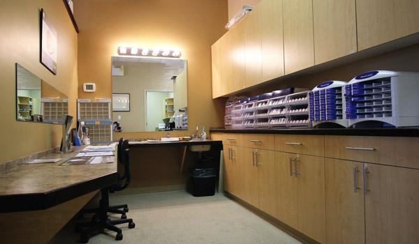http://eyemax.ca/wp-content/uploads/2014/09/Eyemax_Abbotsford_Location_s05.jpg