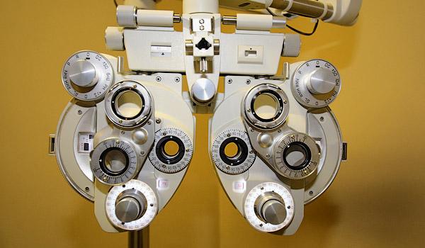 http://eyemax.ca/wp-content/uploads/2014/09/Eyemax_Abbotsford_services_s02.jpg